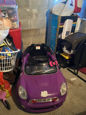 Mini hello kitty car for Sale in Revere, MA