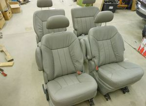 2001 2007 Chrysler Town Country SEAT SET Leather for Sale in Greater Landover, MD