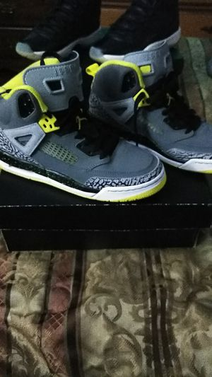 Jordans new with box perfect condition for Sale in Nashville, TN