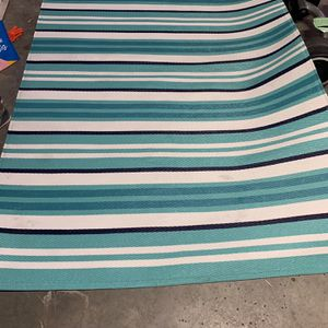 2 Outdoor Rug 87 X 60 for Sale in Orlando, FL