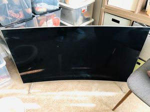 55 inch SAMSUNG LED SMART 4 K UHD TV for Sale in Quincy, MA