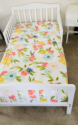 New toddler bed with mattress included for Sale in Centreville, VA