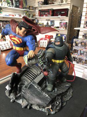 DC Collectibles the Dark Knight Returns: Superman vs Batman Statue for Sale in Los Angeles, CA