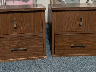 End Table for Sale in Monroe,  WA
