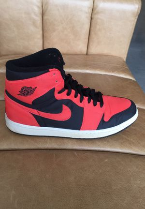 "Men's Air Jordan 1 Retro High ""Max Orange"" Used for Sale in Chicago, IL"