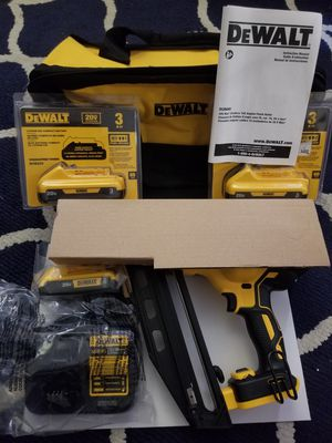 Dewalt nail gun 16 gauge angled finish nailer READ PROFILE for Sale in Bronx, NY