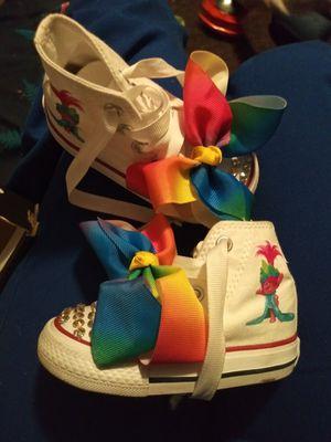 Zapatos size 4 converse originales con diseño de trolls for Sale in Miami, FL