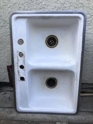 Kitchen sink free for Sale in Los Angeles, CA