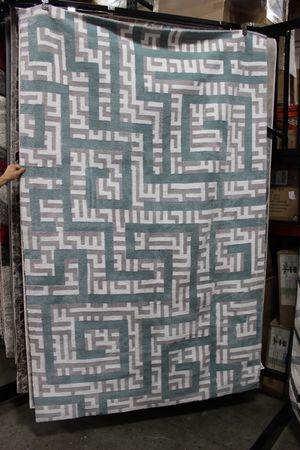 Nahia Geometric Maze 5 x 8 Area Rug, R-1015B for Sale in Downey, CA