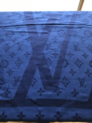 Louis Vuitton scarf for Sale in Tacoma, WA