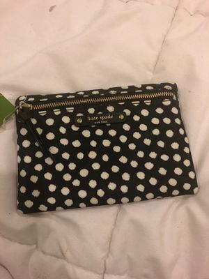 Brand New - Kate Spade Small Drewe Wilson Pouch Clutch Black/White WLRU3127 for Sale in Philadelphia, PA