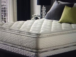 Queen size pillow top mattress and box set 200 for Sale in Kansas City, MO