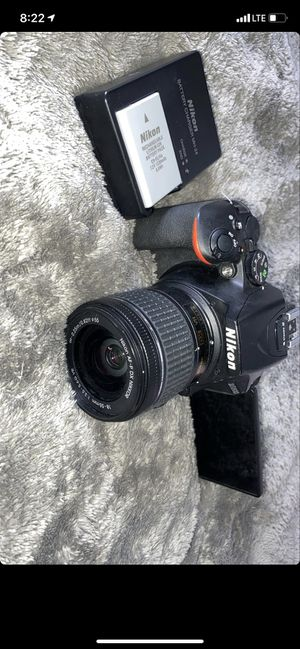 Nikon D5600 for Sale in Frederick, MD