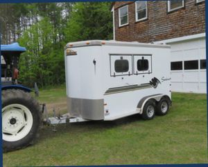 A BEAUTIFUL 2 H0RSE TRAILER F0R SALE.$1OOO for Sale in Coffeyville, KS