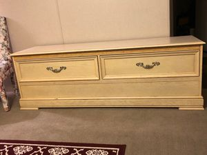 Dresser for Sale in Evansville, IN