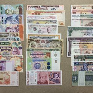 67 PCS World Banknote Currency Set. Venezuela (5), Zambia (6), Somalia, Congo, Bosnia, Mozambique (4), Vietnam (3), Russia, Afghanistan (2), Uzbekista for Sale in Mableton, GA