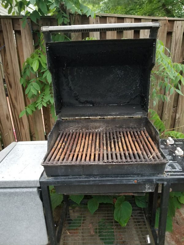 Weber grill. Most likely for parts only or will need many parts replaced.