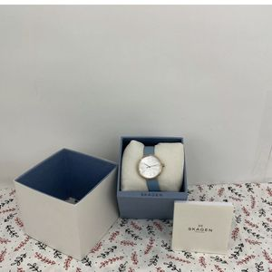 Skagen SKW2621 Signature White Dial Teal Leather Strap Women's Watch for Sale in Peoria, IL