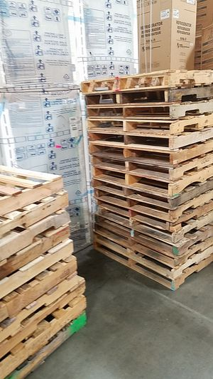 Wood Pallets 5$ Each 48s 40s for Sale in Rancho Cordova, CA