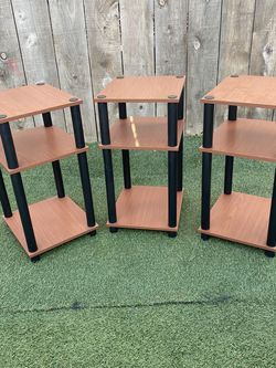 Small Shelf End Table for Sale in National City,  CA