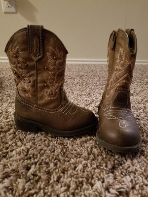 Toddler girl boots size 5 for Sale in Humble, TX