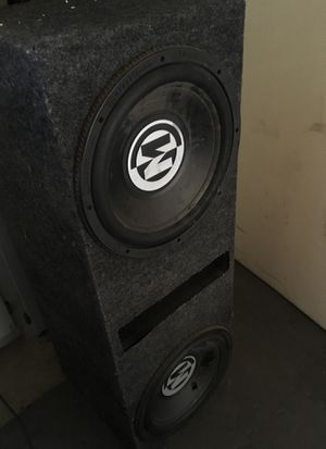 """15"""" Memphis subwoofers with box for Sale in Reedley, CA"""