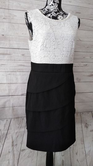Beautiful Connected Apparel Dress , Juniors size 14p ( worn once ) for Sale in Frederick, MD