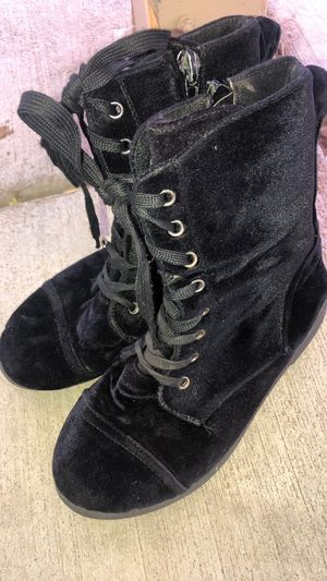 Girl boots for Sale in Lake Elsinore, CA