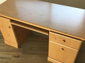 Desk for Sale in Cupertino,  CA