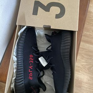 Yeezy Bred 350 V2 Black Red Size 8 for Sale in Garden Grove, CA