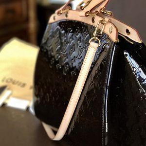 Authentic Louis Vuitton BREA GM MB TERRE D OMBRÉ Monogram Vernis for Sale in Miami, FL