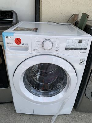 Like new! Lg front load washer for Sale in Corona, CA