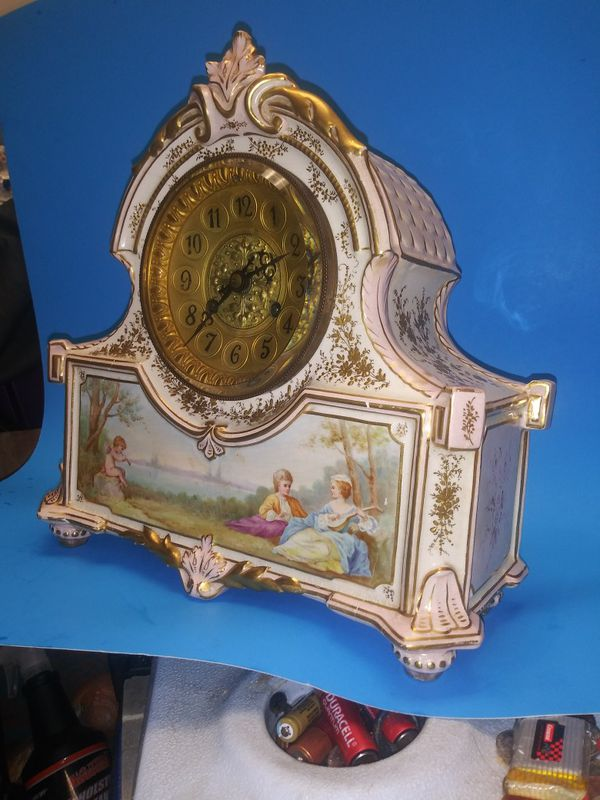 Antique Franch mantle clock hand painted,windup,chim