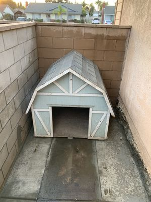 Dog house big size for Sale in Montclair, CA