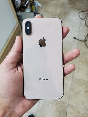 Iphone xs for cricket and At&t for Sale in Houston, TX
