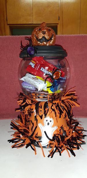 $10 Halloween candy holder for Sale in Modesto, CA
