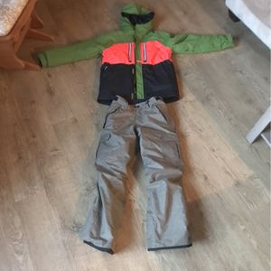 686 Brand Snowboard Coat And Pants for Sale in Interlochen, MI