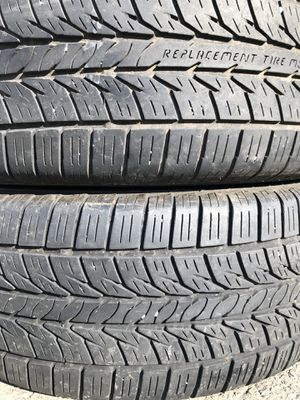 Two used tire 215/60R15 GENERAL ALTIMA X RT43 two used tire $45 2 llantas usadas GENERAL ALTIMA X RT43 por las 2 llantas $45 for Sale in Alexandria, VA