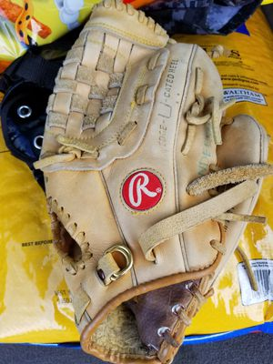 "12"" Rawlings baseball glove broken in for Sale in Downey, CA"