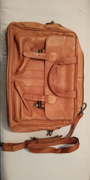 Original Leather messenger bag excellent condition for Sale in Dallas, TX