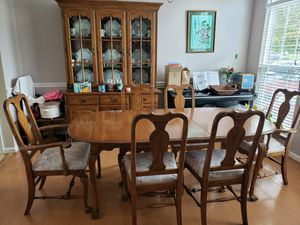 Dining Table & China Cabinet for Sale in Ashburn, VA