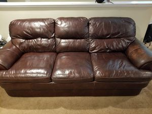 Very comfortable brown Leather couch . Lightly used for Sale in San Diego, CA
