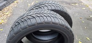 I have 2 good tires size 215/50/17 for Sale in New Haven, CT