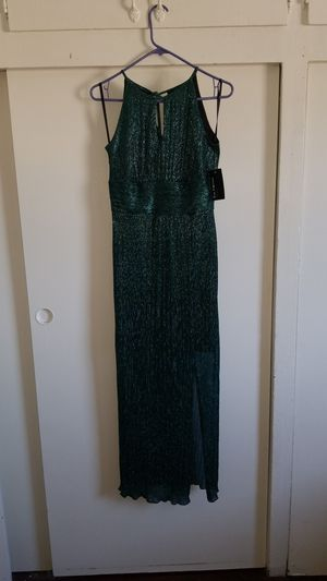 New green dress with tags for Sale in Los Angeles, CA