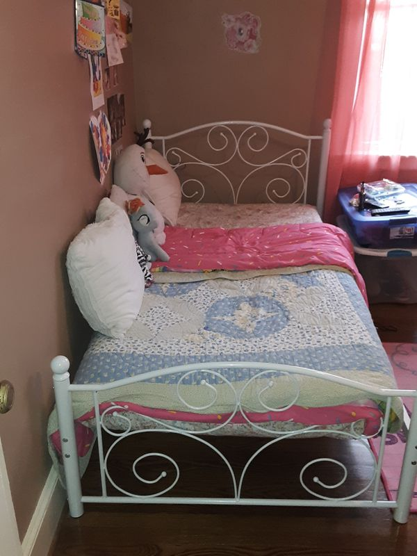 Twin size metal frame and mattress