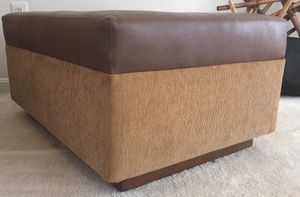 Ottoman table/ side table/ end table for Sale in Potomac Falls, VA