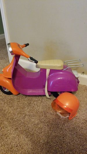 """18"""" Baby doll scooter w/helmet for Sale in O'Fallon, MO"""