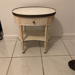 Antique side table for Sale in Boca Raton,  FL