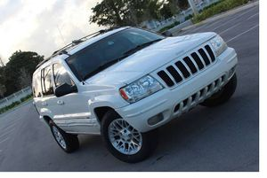 Very Good 2004 Jeep Grand Cherokee AWDWheels for Sale in Cincinnati, OH