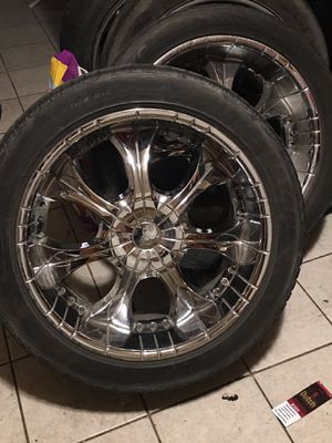 22 rims need better tires clean no scuffs 250 for Sale in Tulare, CA